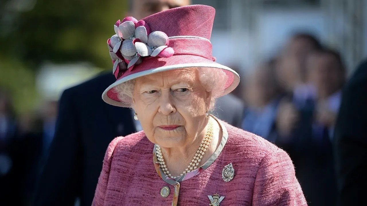 Teen Tried To Assassinate Queen Elizabeth Ii During 1981