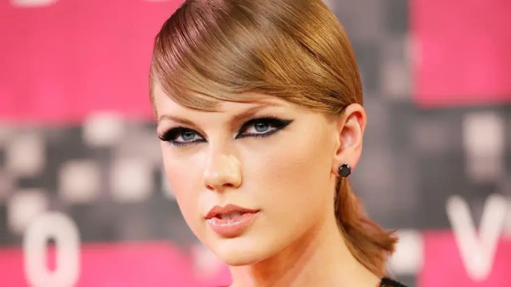 Four4Four: Neo-Nazis are using Taylor Swift's likeness with Hitler quotes and Taylor's lawyer is fighting back hard