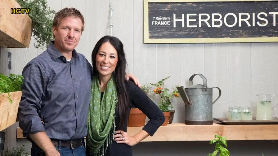 Fixer Upper\' stars Chip and Joanna Gaines officially open Magnolia ...