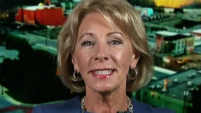 Secretary of education provides insight on creative teaching methods on 'Fox & Friends'