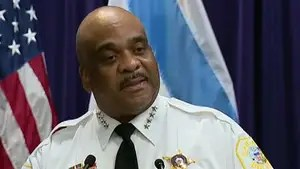 Another violent weekend leaves six dead in Chicago; reaction from Fox News political analyst Gianno Caldwell and criminal defense attorney Anthony Tall.