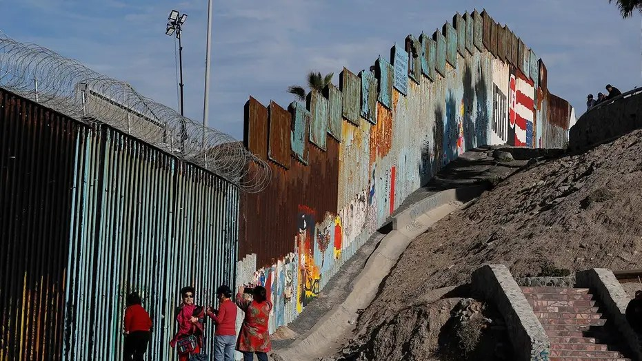 Reps Jim Jordan And Mark Meadows Build The Wall Do