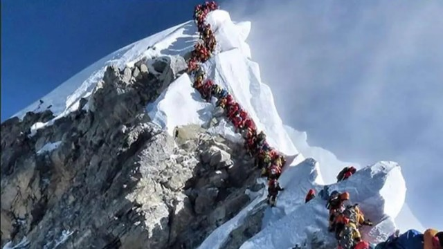 Explorer on rash of deaths on Mt. Everest: Bad things happen when you run out of oxygen in the 'death zone'