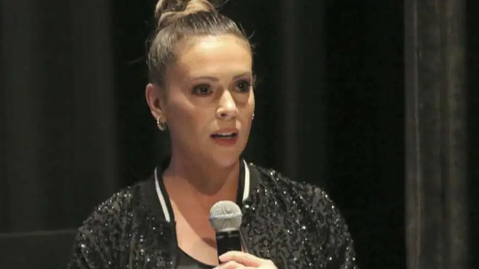 Alyssa Milano extends 'olive branch to Trump supporters' — and the left-wing, Trump-despising actress gets totally torched