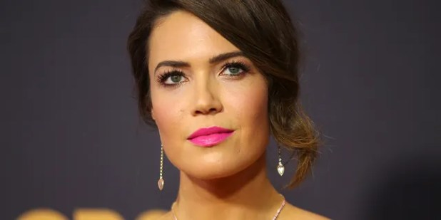 On Tuesday she announced on her Instagram that 'this use' actress Mandy Moore has given birth to a son in August.
