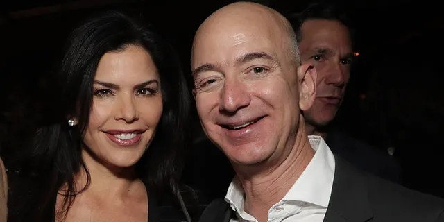 Jeff Bezos accuses National Enquirer of blackmail and extortion