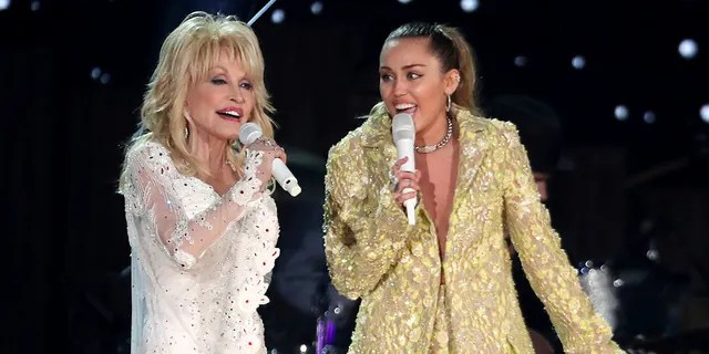 """Dolly Parton (left) and Miley Cyrus (right) performed """"Jolene"""" at the 61st annual Grammy Awards on Sunday, Feb. 10, 2019, in Los Angeles."""