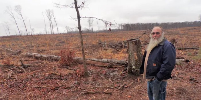 """I would have to leave,"" resident Michael O'Bier told Fox News, as he stood at the side of his property. ""I can't live here."" (Alex Pappas/Fox News)"