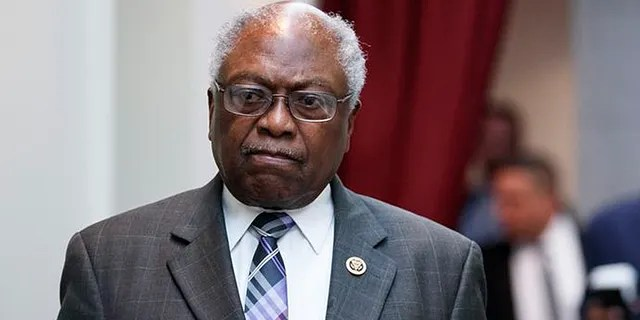 Rep. James Clyburn, D-S.C., walks to a closed Democratic Caucus meeting on Capitol Hill in Washington, Friday, Jan. 4, 2019. (AP Photo/Carolyn Kaster)