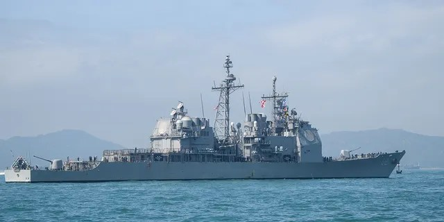 The USS Chancellorsville, a guided-missile cruiser, nearly collided with the Udaloy I DD 572 when it made an