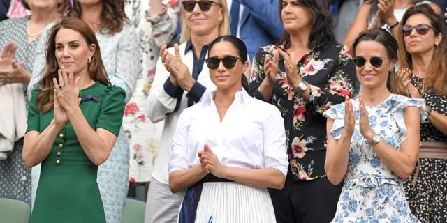 Catherine, duquesa de Cambridge, Meghan, duquesa de Sussex y Pippa Middleton durante el día doce del Campeonato de tenis de Wimbledon el 13 de julio de 2019, en Londres. (Foto por Karwai Tang / Getty Images)