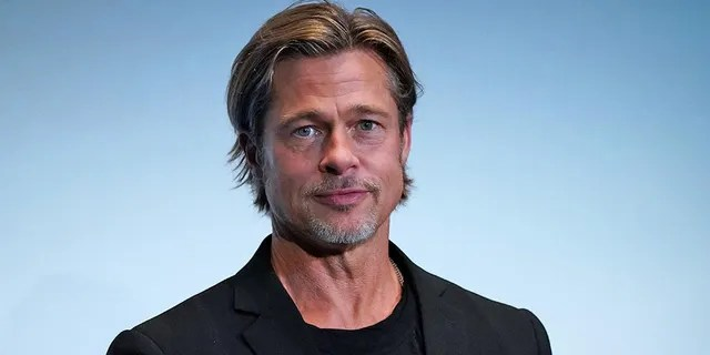 Brad Pitt poked fun at the British royals during his BAFTA acceptance speech.