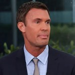'Flipping Out' star Jeff Lewis takes jab at ex while in hospital recovering from neck surgery