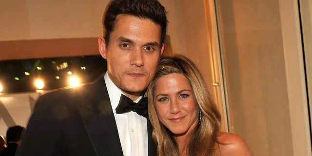 Jennifer Aniston was romantically linked to John Mayer for a time in 2008.