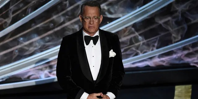 Tom Hanks gave a special shout out to late actor Kirk Douglas while speaking at the 2020 Oscars.