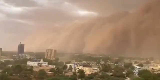 A massive sandstorm swept into Niamey, the capital city of Niger, on Monday.