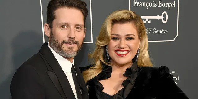 Brandon Blackstock et Kelly Clarkson.  (Photo par Kevin Mazur / Getty Images pour Critics Choice Association)