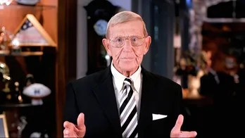 Lou Holtz to receive Presidential Medal of Freedom, Trump says