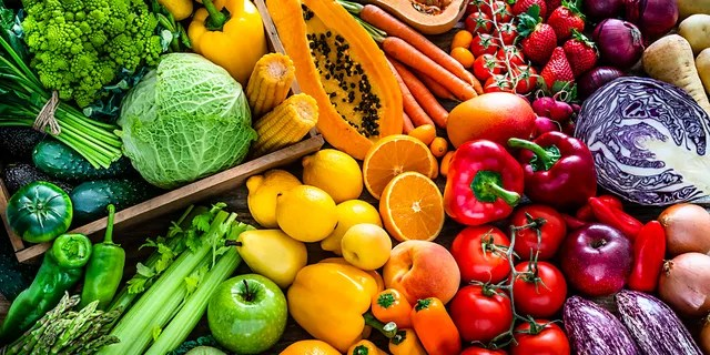 It is important to note that not all fruits and vegetables are made equal, researchers also found that the greatest benefits were seen in those eating green leafy vegetables, such as spinach, lettuce, and bananas.