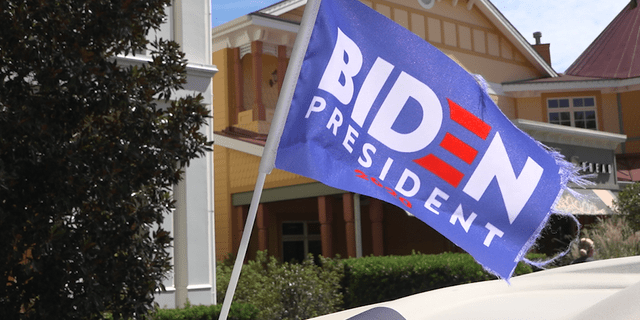 A small flag flying in support of former Vice President Joe Biden sitting atop a golf cart in The Villages (Robert Sherman, Fox News).