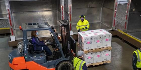 FedEx employees transport vaccine doses in Grand Rapids, Michigan (FedEx)