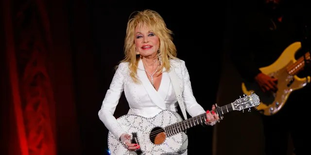 Dolly Parton performs in concert on July 31, 2015 at Ramon Auditorium in Nashville, (photo by Wade Payne / revision / AP, file)
