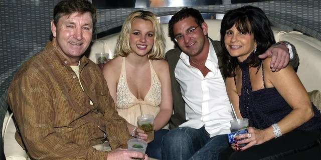 Singer Britney Spears (2nd,L) and family (L-R), father Jamie, brother Bryan and mother Lynne.