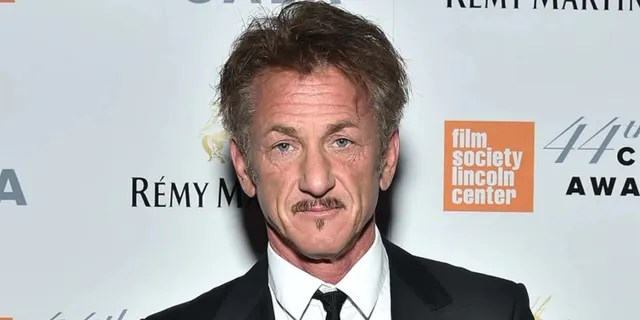 Actor Sean Penn suggested his unhappy CORE employees to 'quit'.