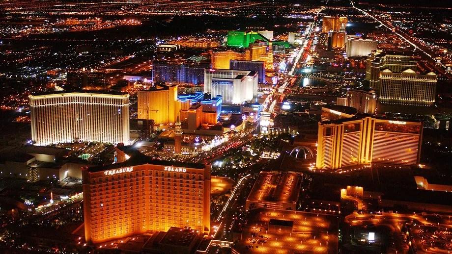 Las Vegas fire on high-rise hotel balcony prompts evacuation, 'multiple' hospitalizations
