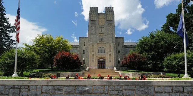 Virginia Tech diserolled 134 students for failing to submit their proofs of vaccinations to the university.