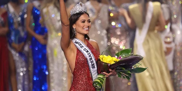Miss Mexico Andrea Meza is crowned Miss Universe 2021 onstage at the Miss Universe 2021 Pageant at Seminole Hard Rock Hotel and Casino on May 16, 2021 in Hollywood, Florida.