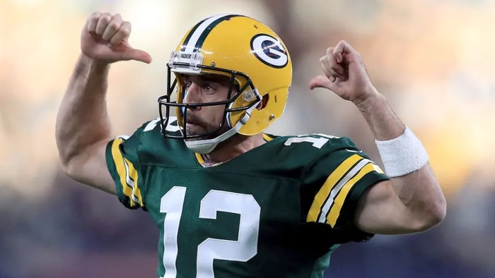 Aaron Rodgers, Packers finalizing deal that would set up quarterback's departure after 2021 season: reports