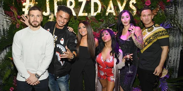 'Family Vacation' cast members (left to right) Vinny Guadagnino, Paul 'Pauly D' DelVecchio, Deena Cortese, Nicole 'Snooki' Polizzi, Jenni 'JWoww' Farley and Mike 'The Situation' Sorrentino. (Photo by Dave Kotinsky/Getty Images for MTV)