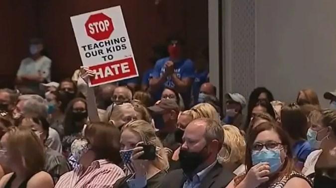Virginia's Loudoun County School Board silences public comment after raucous meeting, 2 men arrested   Fox News