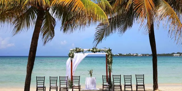 The Royalton Negril Resort and Spa is located at Norman Manley Blvd, A1, Negril, Jamaica.