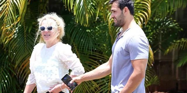 Britney Spears is vacationing in Hawaii with boyfriend Sam Asghari.