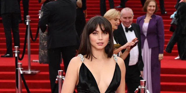 Ana de Armas in a Louis Vuitton dress at the world premiere of 'No Time to Die'.