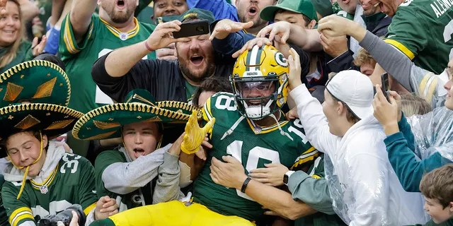 Green Bay Packers' Randall Cobb celebrates his touchdown catch during the first half of a game against the Pittsburgh Steelers Sunday, Oct. 3, 2021, in Green Bay, Wis.