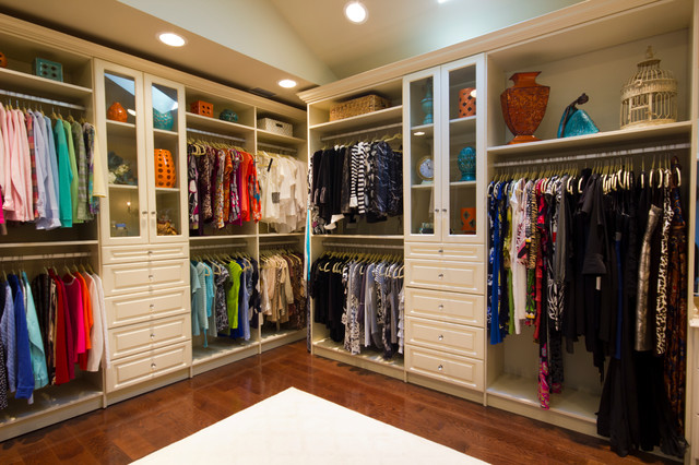 20 Closets That Could Pass for Studio Apartments