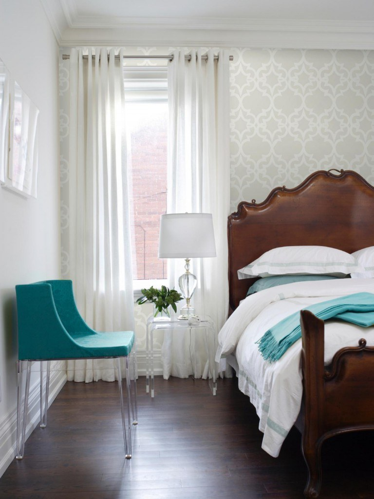 Having a small space may include more storage challenges, but that doesn't mean you can't enjoy a beautiful space. 20 Small Bedroom Decorating Ideas On A Budget