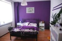 20 Beautiful Purple Accent Wall Ideas