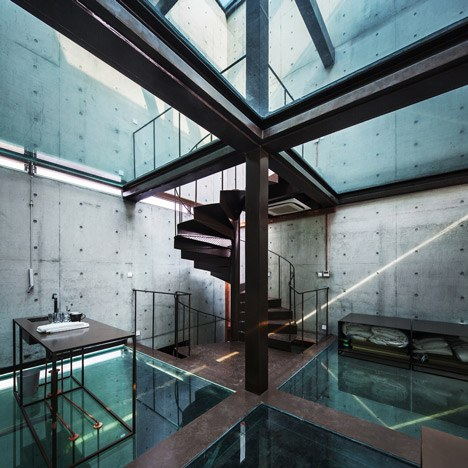 20 Cool House Designs With Glass Floors  Housely