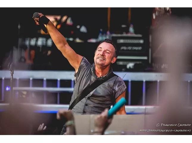 Concerti, questa sera New York riparte con Bruce Springsteen, Patti Smith, Andrea Bocelli e altri