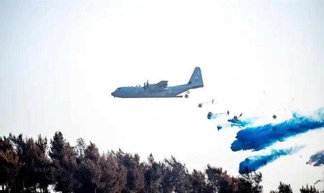 Control de incendios declarado en las montañas de Jerusalén: el avión Hércules de las FDI dispersa 16 toneladas de material ignífugo - Canal 7