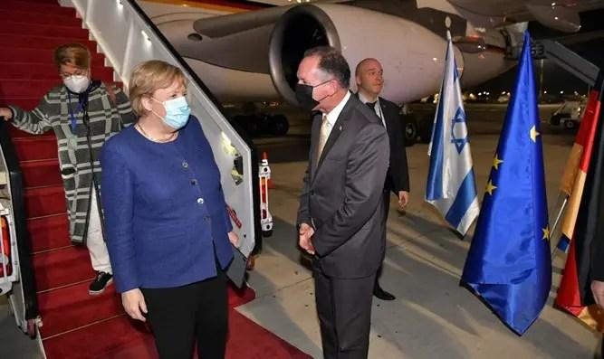 Merkel llegando a Israel