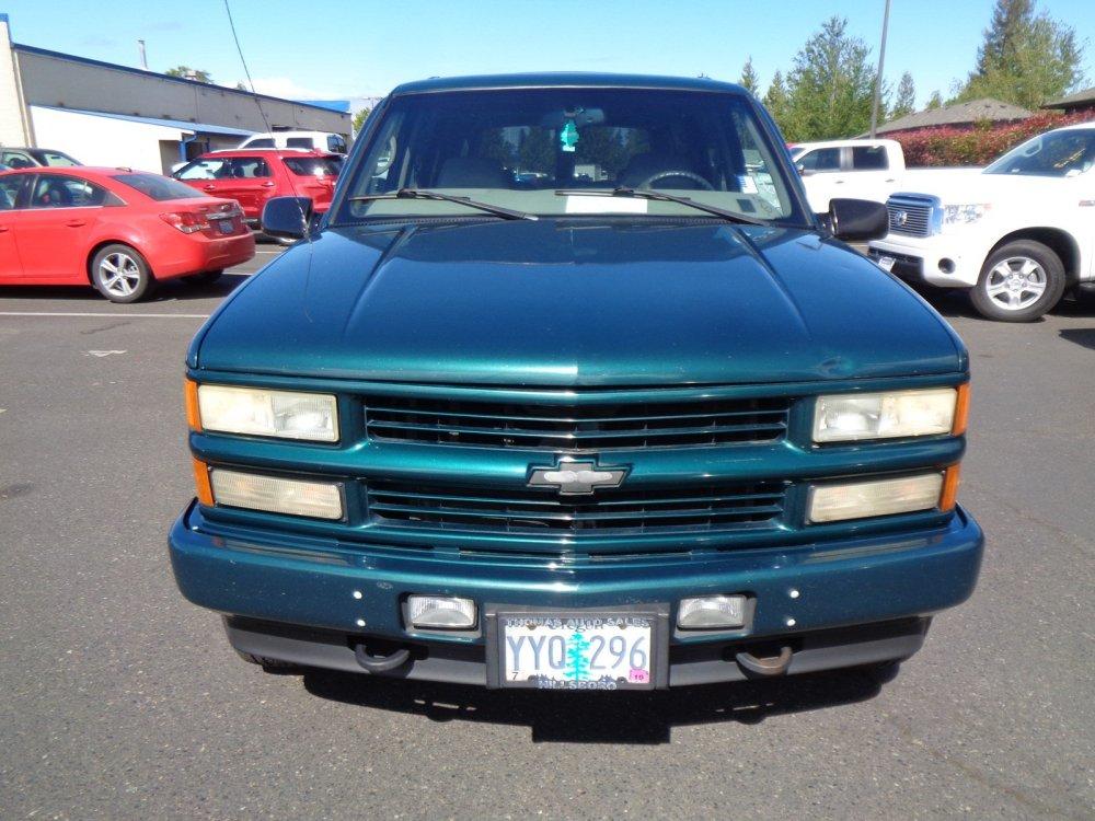 medium resolution of pre owned 2000 chevrolet tahoe z71