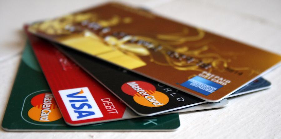 クレジットカード 認証 Airbnb