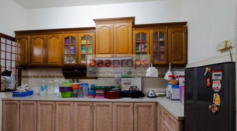 kitchen_cabinet(6)