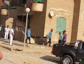 مصري يذبح زوجته وأبناءه الأربعة