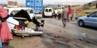 مصرع سيدة وغصابة 15 حادث سير